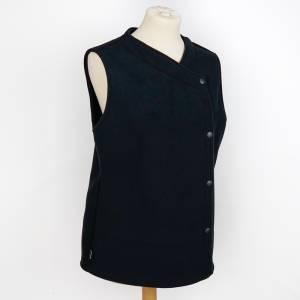 Sleeeless Buttoned Jacket